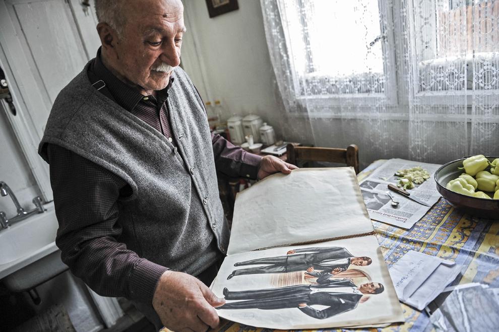 Armeanul Petru Zakaria, în casa sa din Frumoasa, Harghita.
