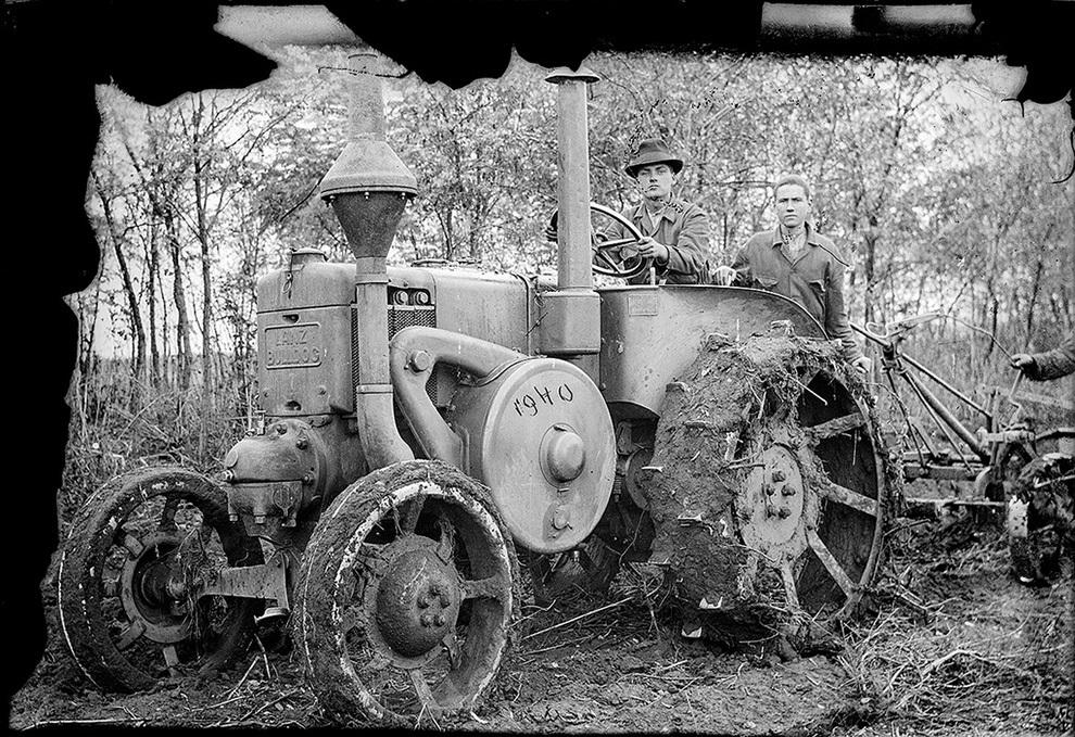 Tractor cu plug Lanz Bulldog, 1940