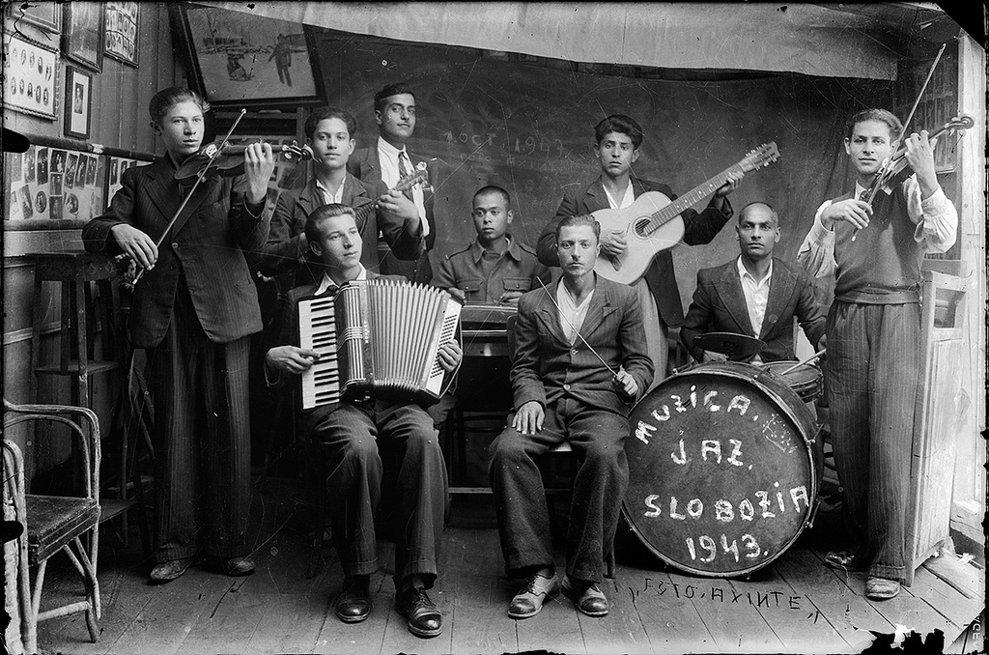 Formaţie de jazz în Slobozia, 1943.