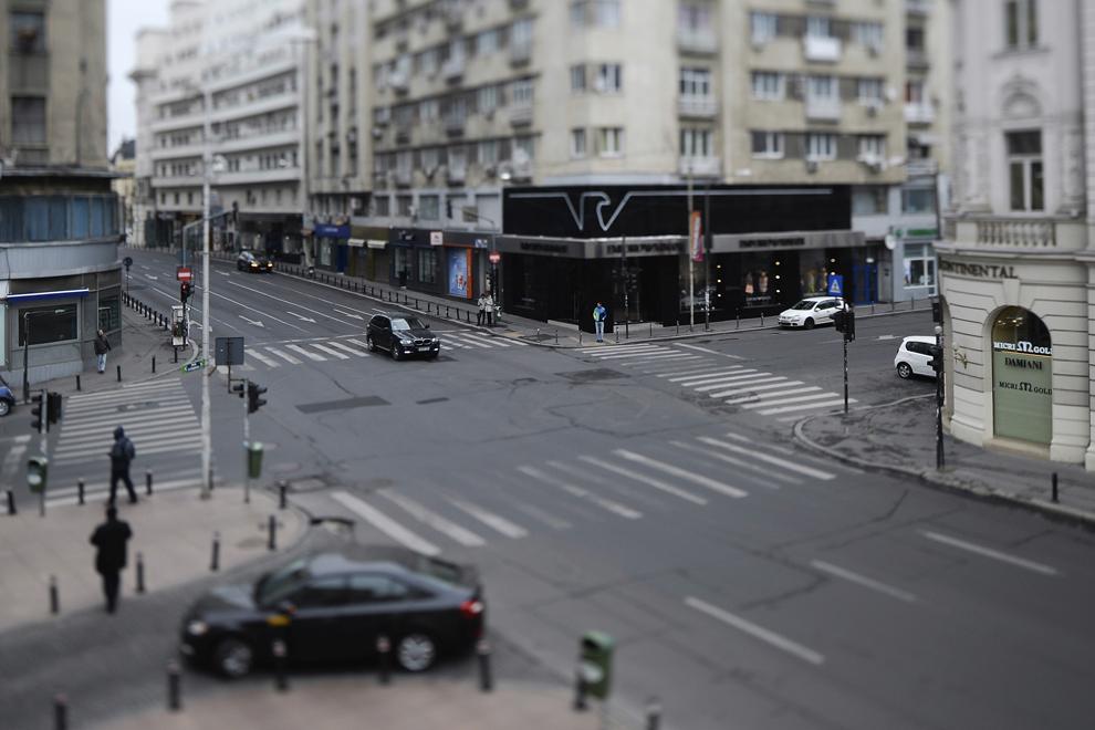 Intersecţia străzii Ion Câmpineanu cu Calea Victoriei, în Bucureşti, duminică, 6 aprilie 2014.