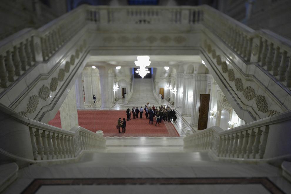 Interior din Palatul Parlamentului, în Bucureşti, marţi, 8 aprilie 2014.