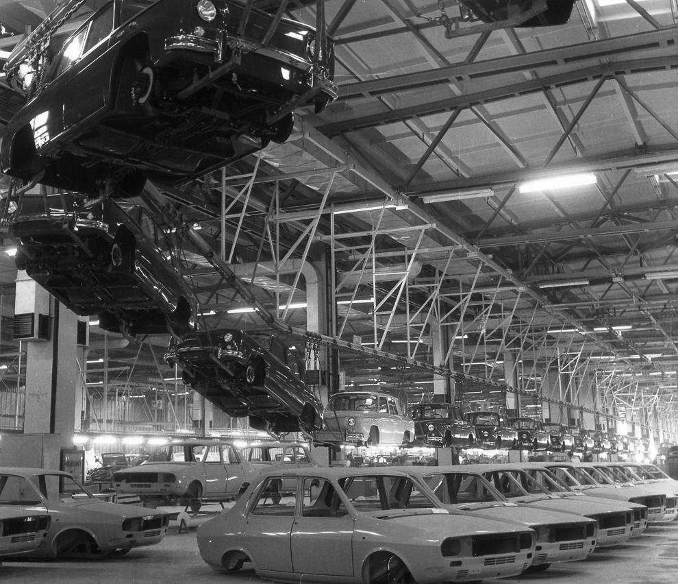 Fabrica de automobile Dacia, Piteşti, 1979.