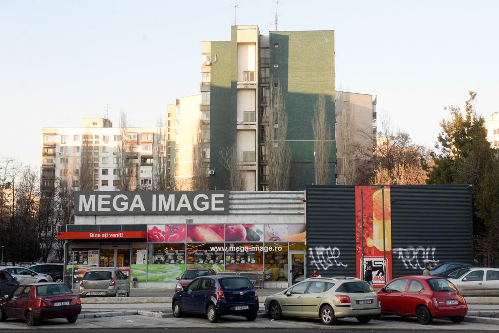 Magazin Mega Image, Titan, Bucureşti, 2014.