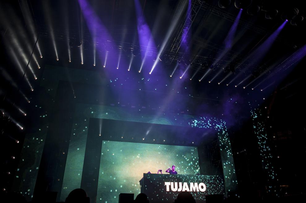 Dj Tujamo mixeaza in cadrul festivalului Untold, pe stadionul Cluj Arena, in Cluj-Napoca, duminica, 2 august 2015.