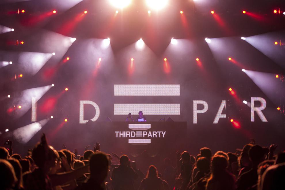 Dj Third Party mixeaza in cadrul festivalului Untold, pe stadionul Cluj Arena, in Cluj-Napoca, duminica, 2 august 2015.