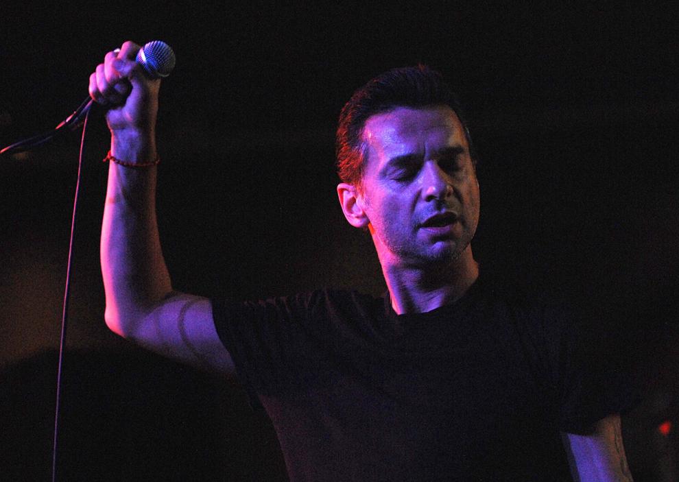 Dave Gahan concertează la Apple Store Soho, marţi, 23 octombrie 2007, în New York City.