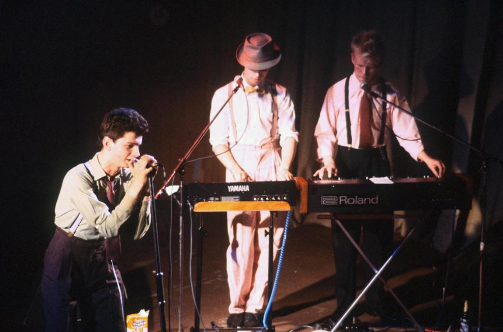 Trupa britanică Depeche Mode în timpul unui concert în data de 23 iulie 1981.
