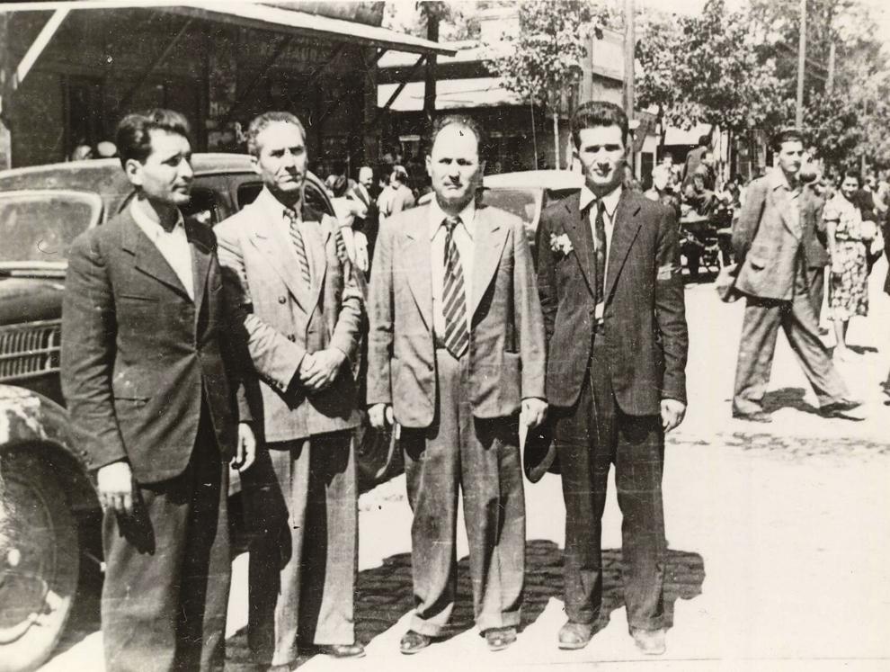 Nicolae Ceauşescu, Constantin Agiu, P. Constantinescu-Iaşi şi Gh. Apostol la primirea Armatei Roşii. (Bucureşti-Colentina, 30 august 1944) (30.08.1944).