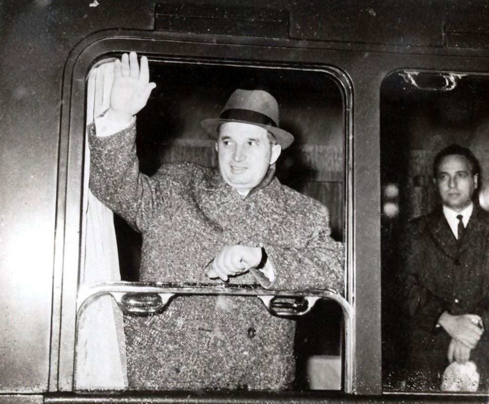 Plecarea delegaţiei Partidului Comunist Român, condusă de Nicolae Ceauşescu, la cel de al IX-lea Congres al Partidului Comunist Bulgar. (13 XI 1966)