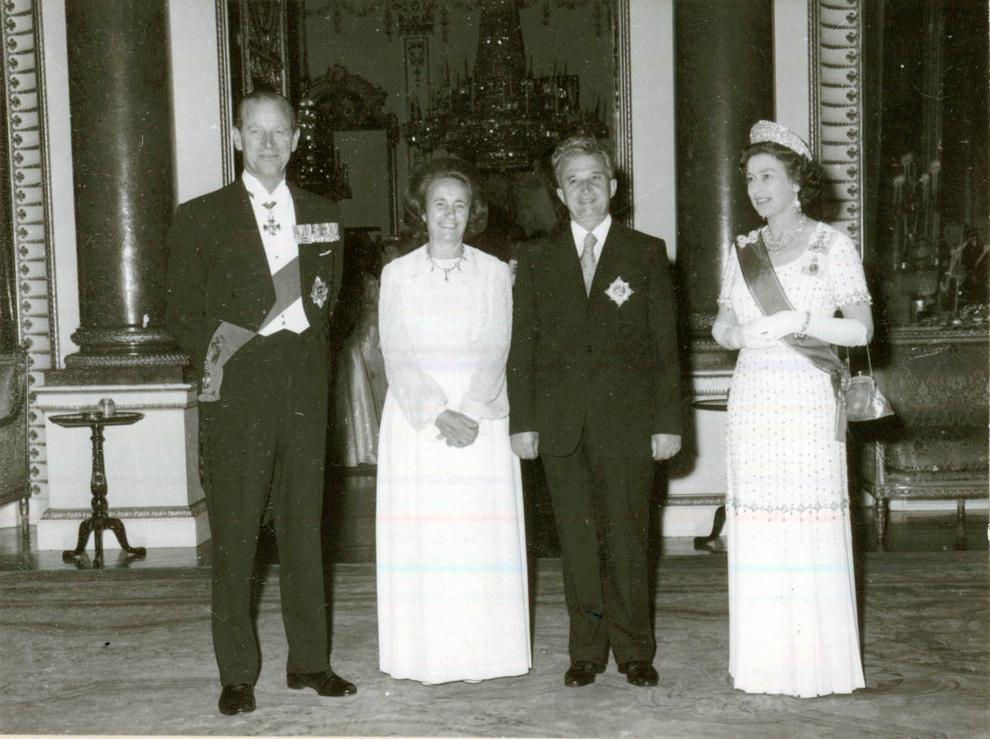 Între 13-16.VI.1978, preşedintele Nicolae Ceauşescu, Elena Ceauşescu, alţi conducători de partid şi de stat au făcut o vizită oficială de stat în Regatul Unit al Marii Britanii şi Irlandei de Nord, la invitaţia Majestăţii Sale regina Elisabeta a II-a şi a ducelui de Edinburgh. În timpul banchetului de stat de la Palatul Buckingham (13.VI.)(13-16.VI.1978).