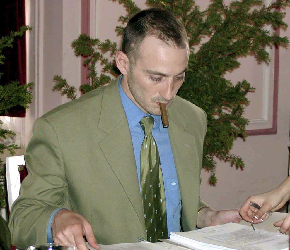 Radu Mazăre, primarul oraşului Constanţa, duminică, 11 noiembrie 2001.