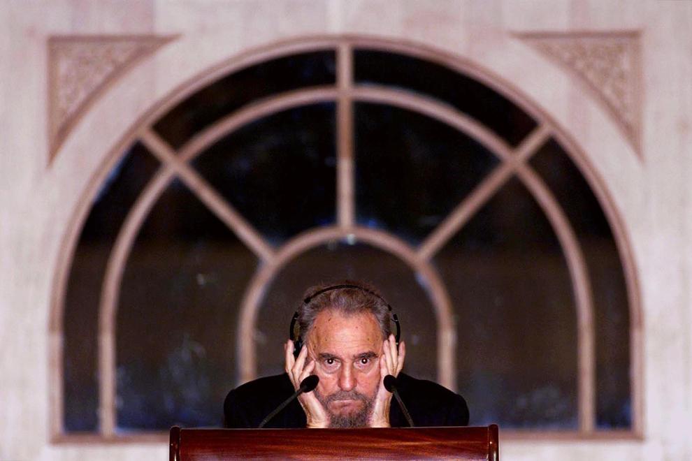 Preşedintele cubanez, Fidel Castro susţine un discurs in Kuala Lumpur,  vineri, 11 mai 2001.