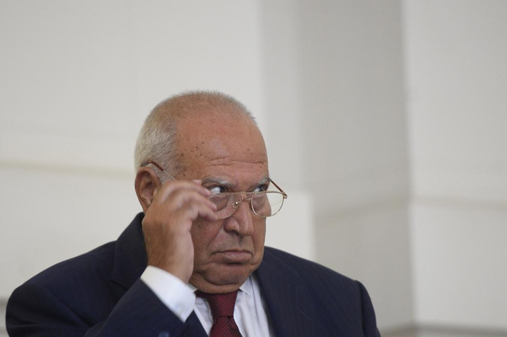 Dan Voiculescu aşteaptă să fie audiat la Curtea de Apel Bucureşti (CAB), luni, 7 iulie 2014. Dan Voiculescu şi alte 12 persoane au fost trimişi în judecată în dosarul privind privatizarea Institutului de Cercetări Alimentare (ICA) la începutul lunii decembrie 2008.