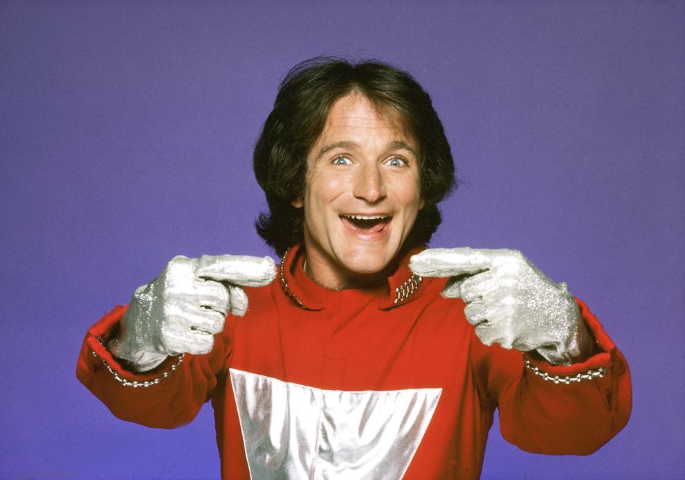 """Personajul Mork din serialul """"Mork and Mindy"""" a devenit popular datorită interpretarii lui Robin Williams (primul său rol de success), 14 septembrie 1978."""