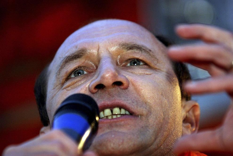 Liderul Alianţei D.A., Traian Băsescu, a făcut o vizită electorală la Slobozia şi la Călăraşi, 16 noiembrie  2004.