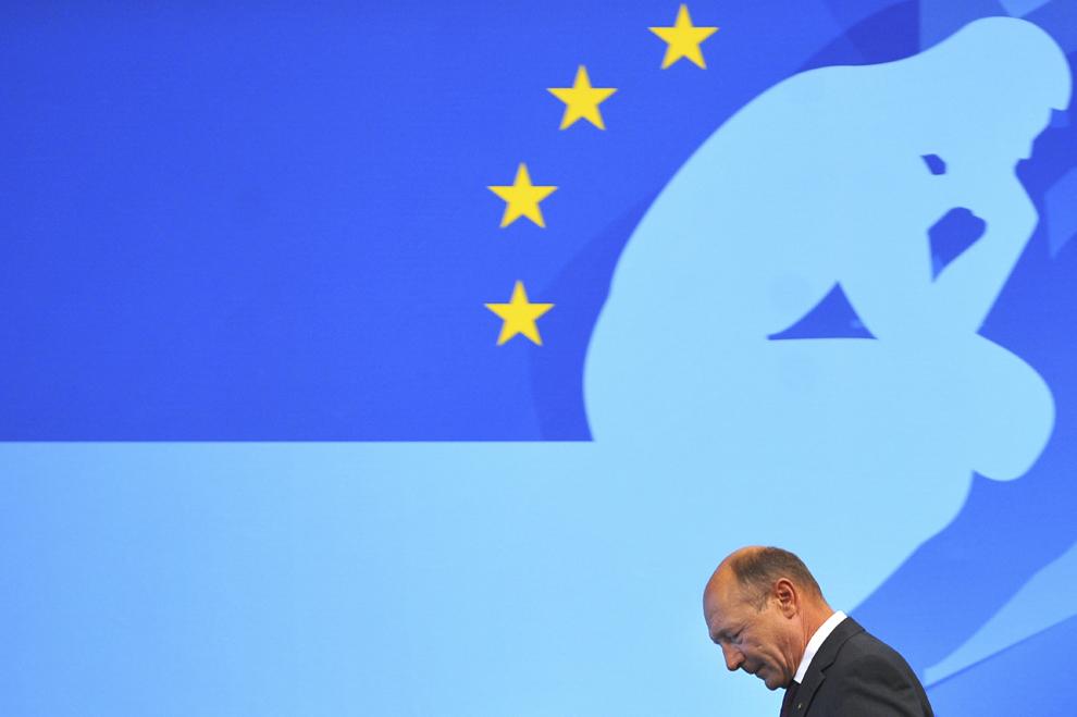 Preşedintele Traian Băsescu se pregăteşte să susţină un discurs în timpul întâlnirii Universităţii de Vară a PPE, în Bucureşti, joi, 22 septembrie 2011.