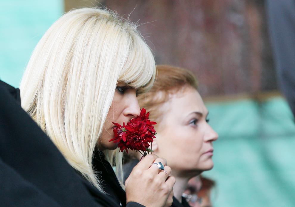 Elena Udrea asista la Sfânta Liturghie de la Catedrala Mitropolitana din Iasi, prilejuita de Hramul Sfintei Cuvioasei Parascheva, ceremonia fiind oficiata pe pietonalul Stefan cel Mare, luni, 14 octombrie 2013.