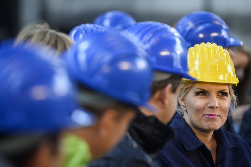 Presedintele Partidului Miscarea Populara, Elena Udrea, isi prezinta programul politic cu care candideaza la Presedintia României, la fosta Uzina Republica, in Bucuresti, joi, 2 octombrie 2014.