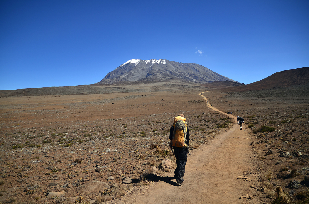 Marangu Route, traseul către Uhuru Peak, muntele Kilimanjaro, Tanzania, joi, 11 iulie 2013.