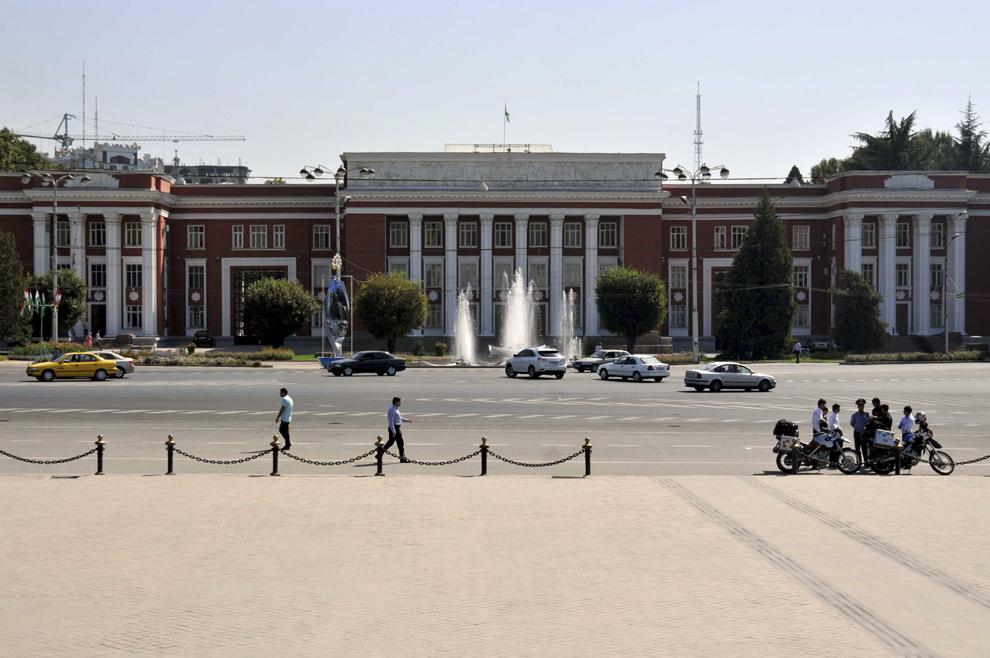 Clădirea Guvernului Republicii Tadjikistan, în Dushanbe, septembrie 2013.