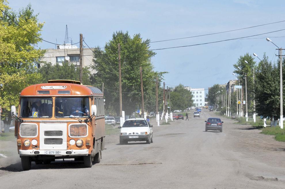 Imagine cu strada principală din oraşul Atbasar, în Kazahstan, august 2013.
