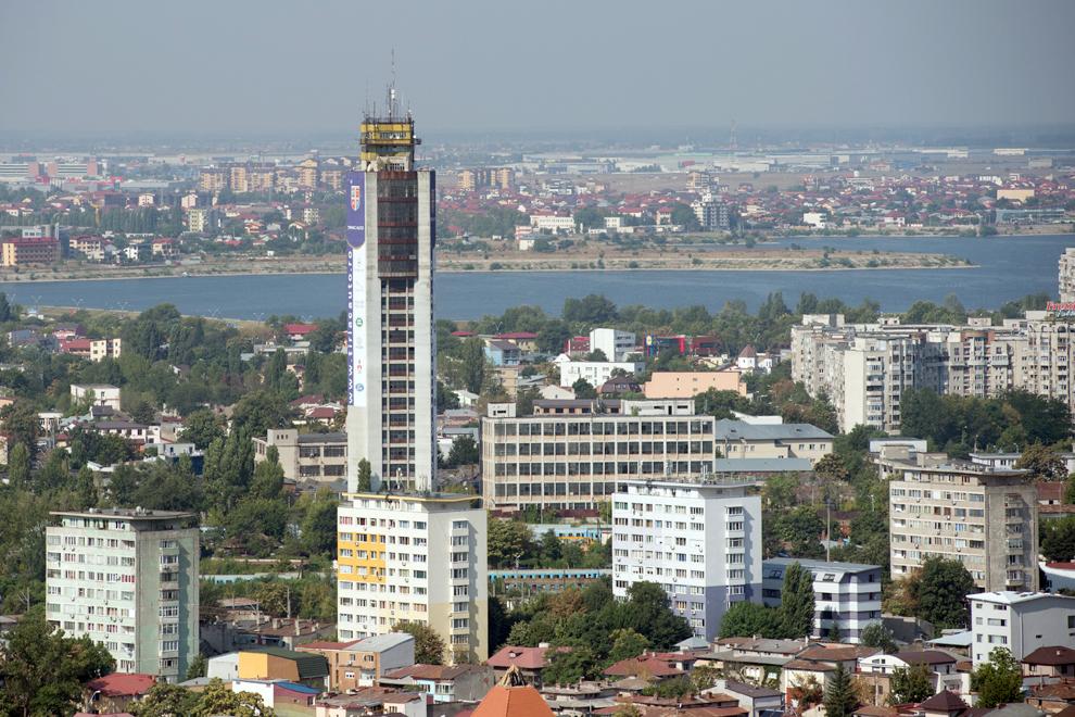 Vechiul turn de testare a ascensoarelor, cartierul Giuleşti.