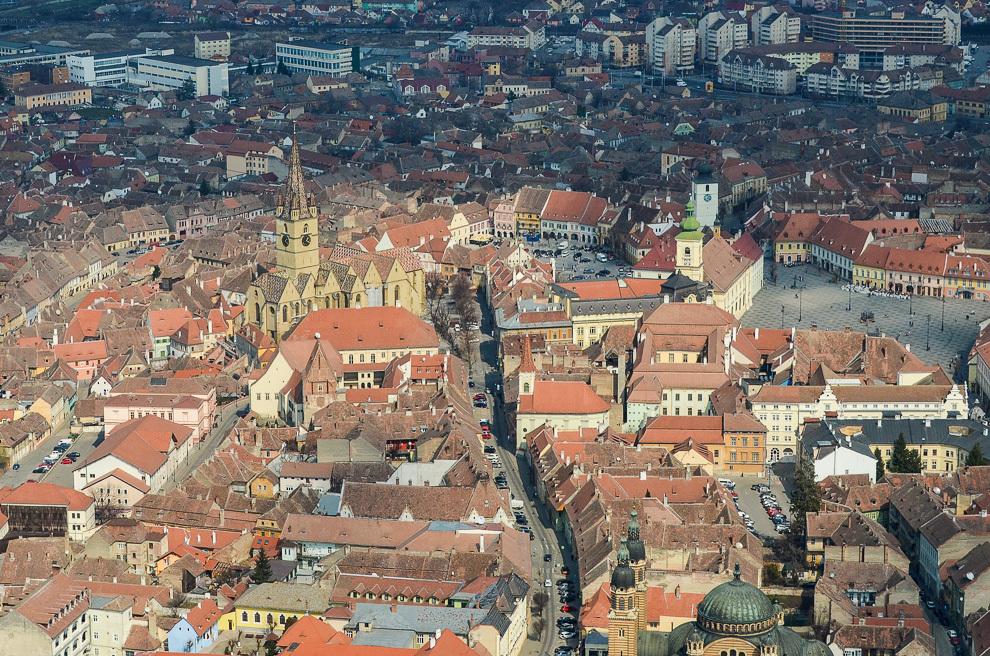 Sibiu – Piaţa Mică şi Piaţa Mare.