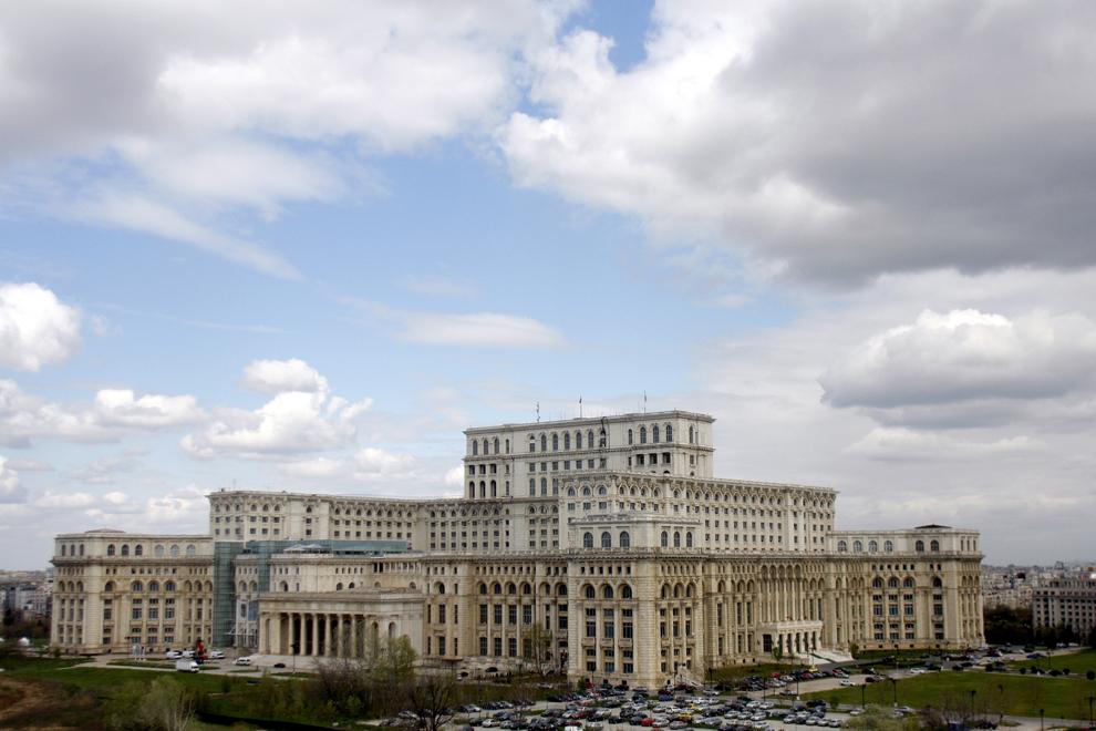 Palatul Parlamentului, Bucureşti, vineri, 19 aprilie 2013.