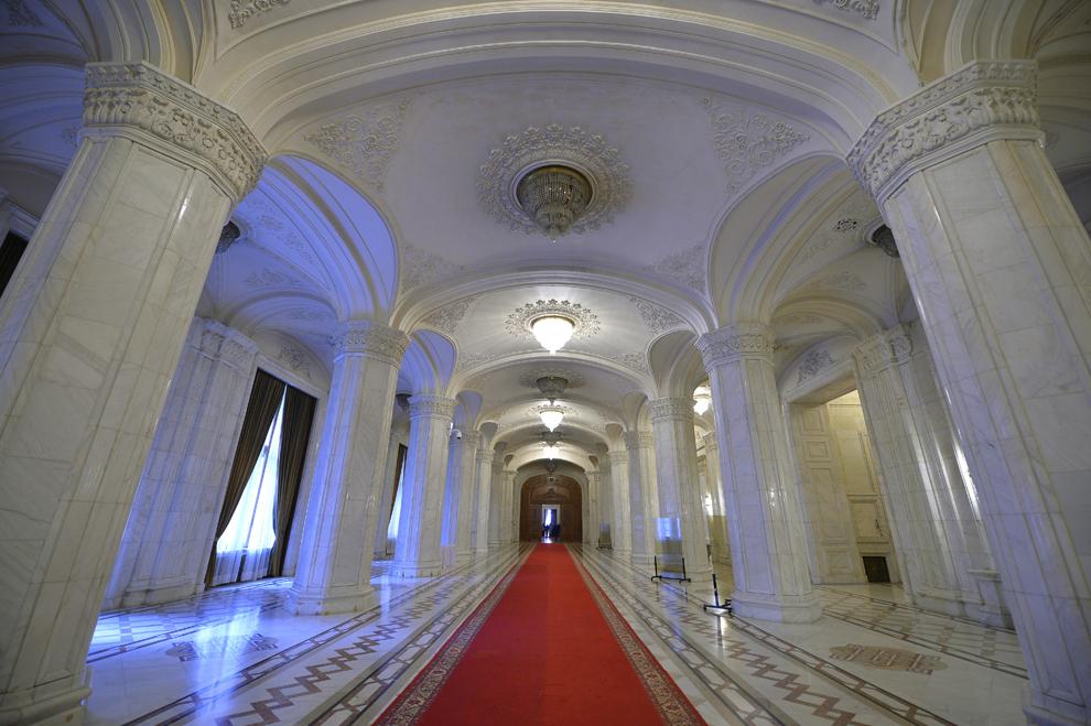Palatul Parlamentului, Bucureşti, 4 octombrie 2013.