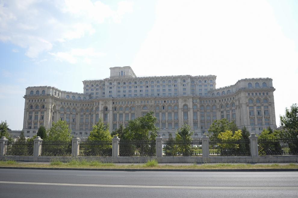 Parlamentul României, Bucureşti, luni, 26 august 2013.