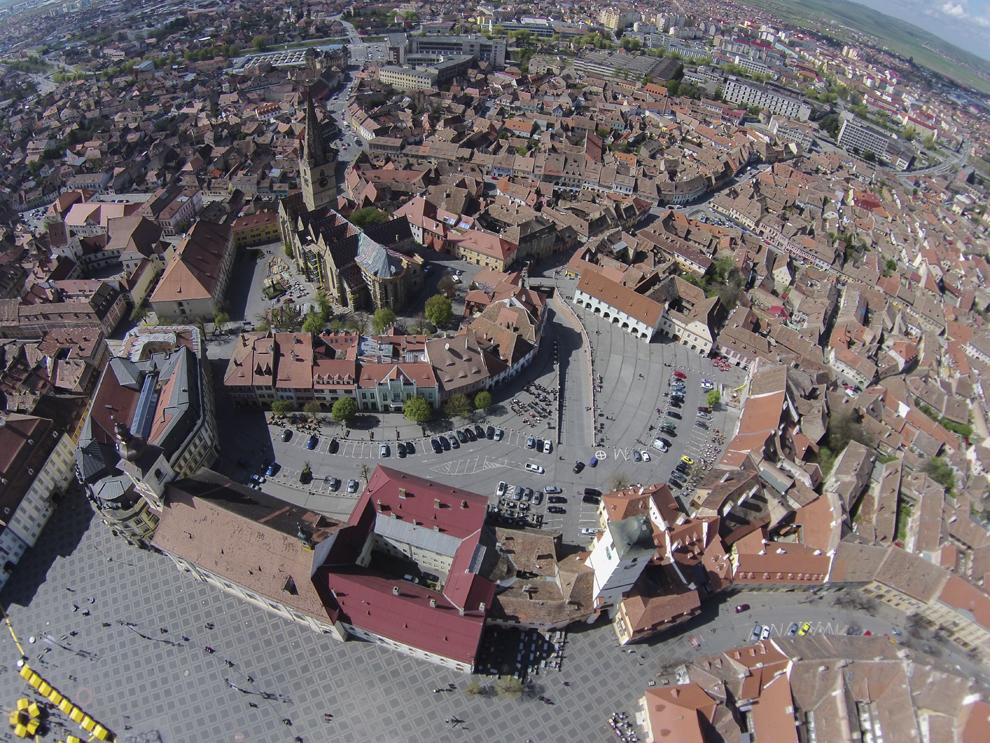 Fotografie aeriană, realizată în Sibiu, duminică, 13 aprilie 2014.
