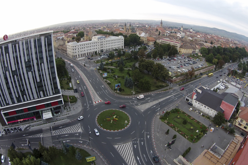 Fotografie aeriană, realizată în Sibiu, vineri, 22 august 2014.