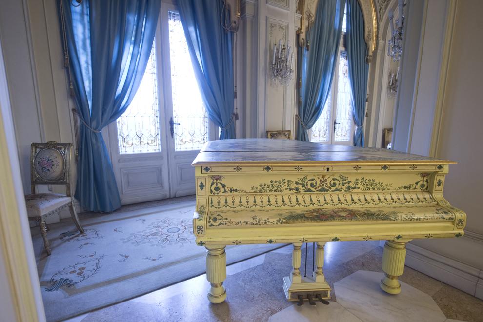 Salonul Florilor, Muzeul Cotroceni, Palatul Cotroceni, marţi, 23 septembrie 2014.