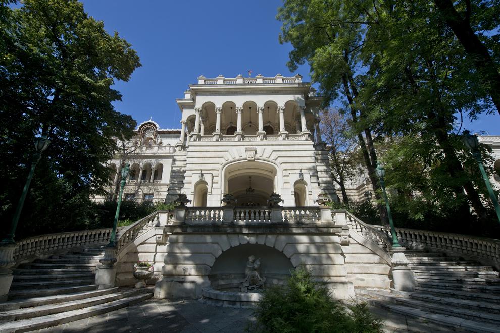 Intrarea în Palatul Cotroceni, miercuri, 24 septembrie 2014.