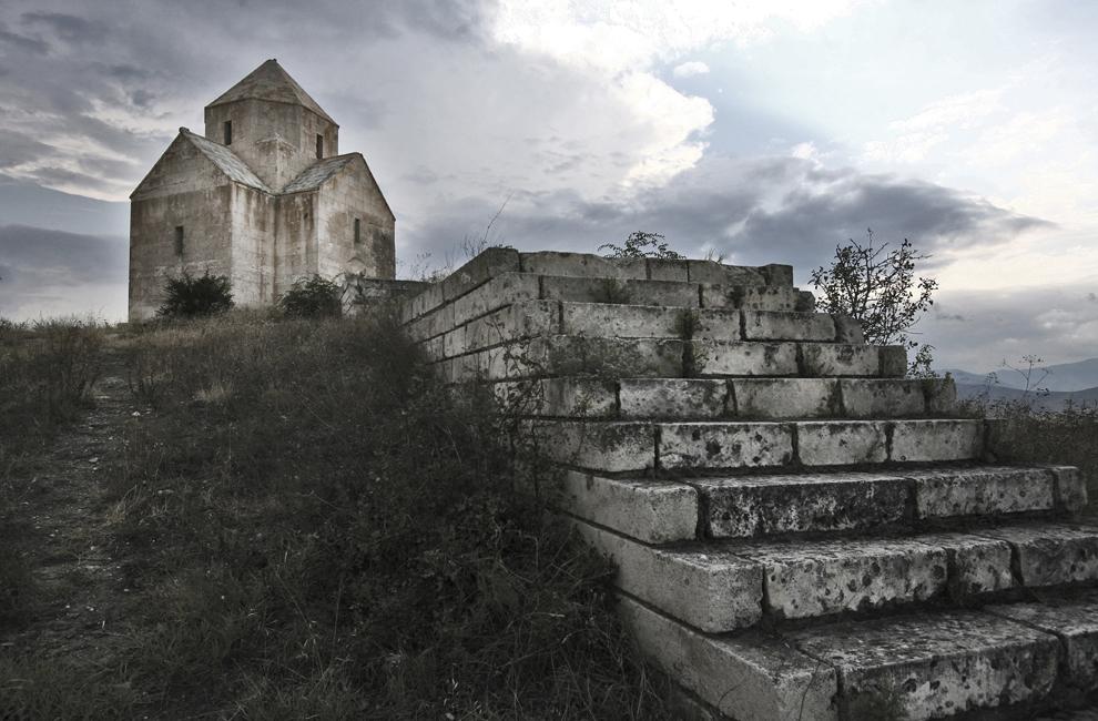 Biserica armeana Vanqasar, construită in secolul VII, lângă Tigranakert din Artsakh, in regiunea Aghdam, vineri 19 septembrie 2008, Nagorno-Karabah. Conform istoricilor Tigran cel Mare a construit cinci oraşe de-a lungul imperiului armean, fiecare purtând numele regelui.