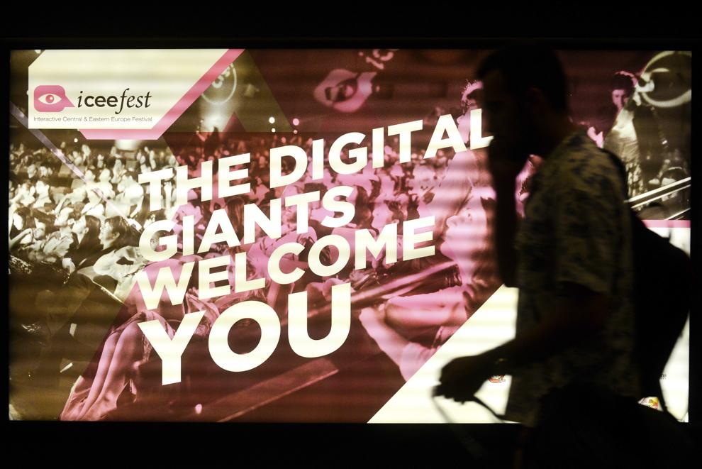 Imagine din timpul festivalului dedicat industriei digitale şi interactive din Europa Centrală şi de Est, Interactive Central and Eastern Europe Festival 2014 (ICEEFest), în Bucureşti, vineri, 13 iunie 2014.