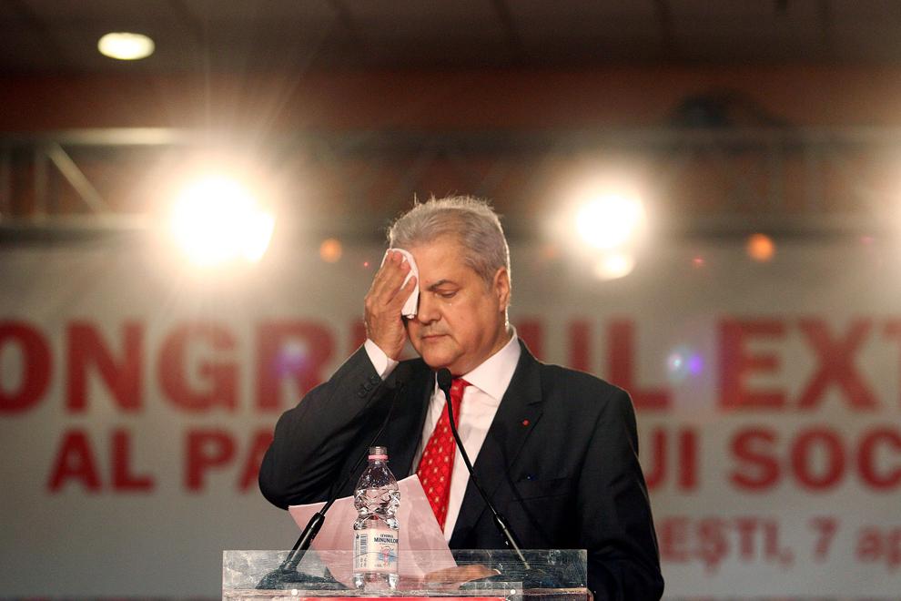 Adrian Năstase participă la lucrările Congresului PSD, în Bucureşti, sâmbătă, 7 aprilie 2012.