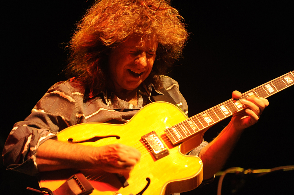 Pat Metheny concertează la Sala Palatului, în Bucureşti, marţi, 25 octombrie 2011.