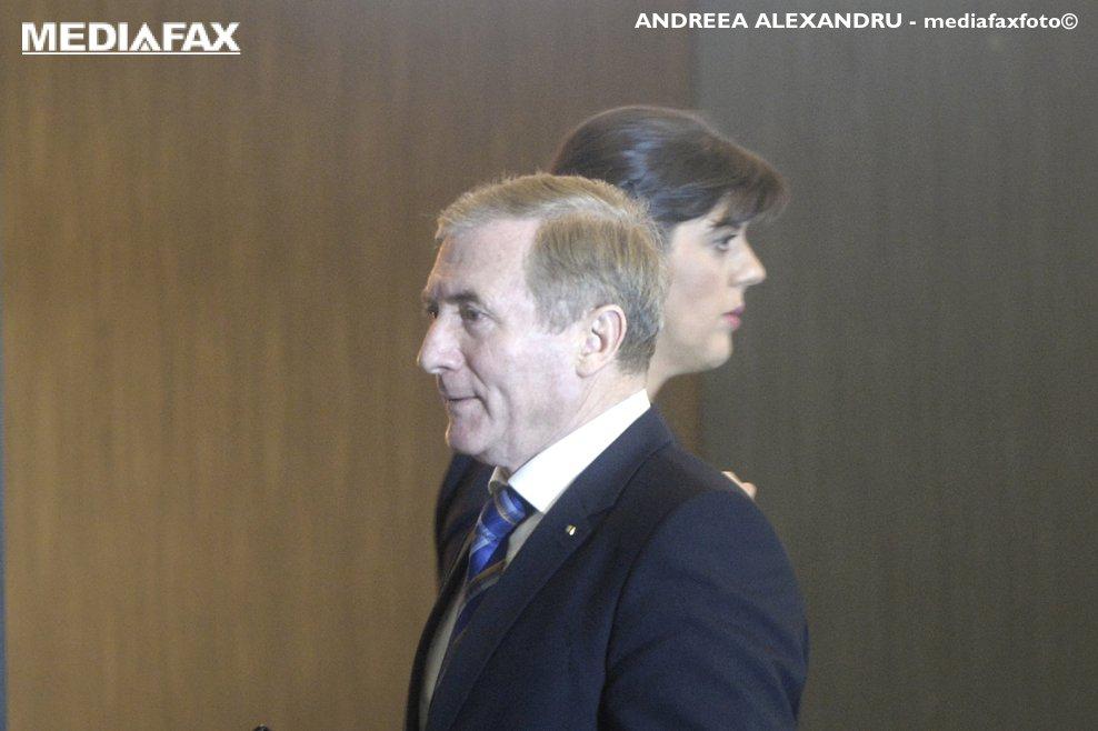 """Procurorul general al Romaniei, Augustin Lazar (S) si procurorul sef al Directiei Nationale Anticoruptie (DNA), Laura Codruta Kovesi, participa la dezbaterea cu tema """"Frauda si coruptia in domeniul achizitiilor publice. De la combatere la prevenire"""", miercuri 7 februarie 2018, la Hotel Sheraton din Bucuresti. ANDREEA ALEXANDRU / MEDIAFAX FOTO"""