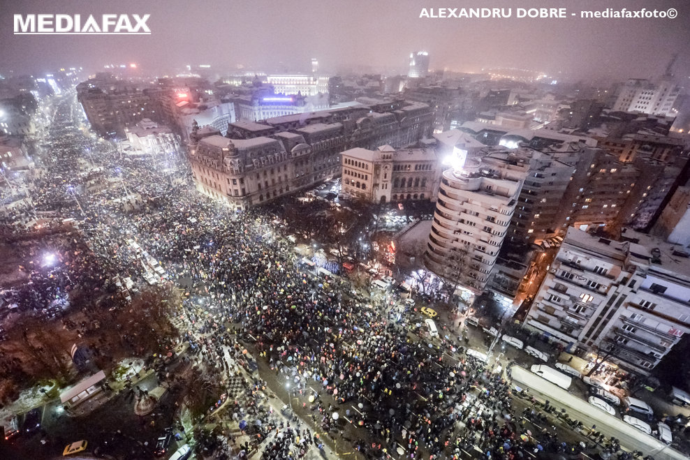 Zeci de mii de persoane participa la un mars de protest fata de de modificarile aduse legilor justitiei si codului fiscal, sambata 20 ianuarie 2018,in centrul Capitalei. ALEXANDRU DOBRE / MEDIAFAX FOTO
