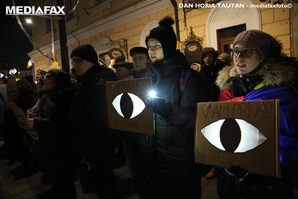 Mii de persoane protesteaza fata de modificarile legilor justitiei si a codului fiscal, sambata, 20 ianuarie 2018, in Cluj Napoca. DAN HORIA TAUTAN / MEDIAFAX FOTO