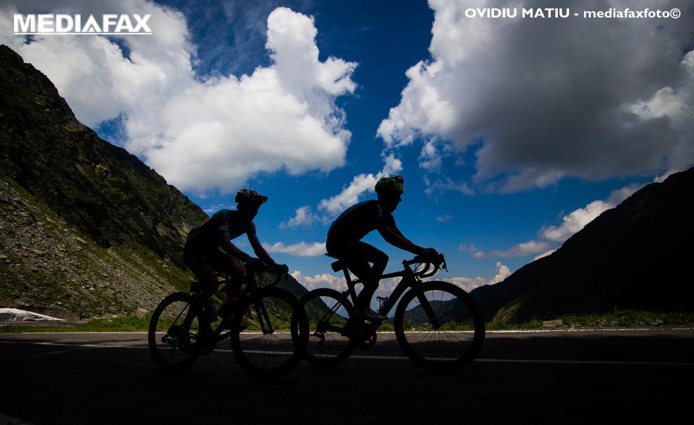 Sportivi participa la Turul Ciclist al Sibiului 2018, in zona Balea Lac, vineri, 6 iulie 2018. OVIDIU MATIU / MEDIAFAX FOTO