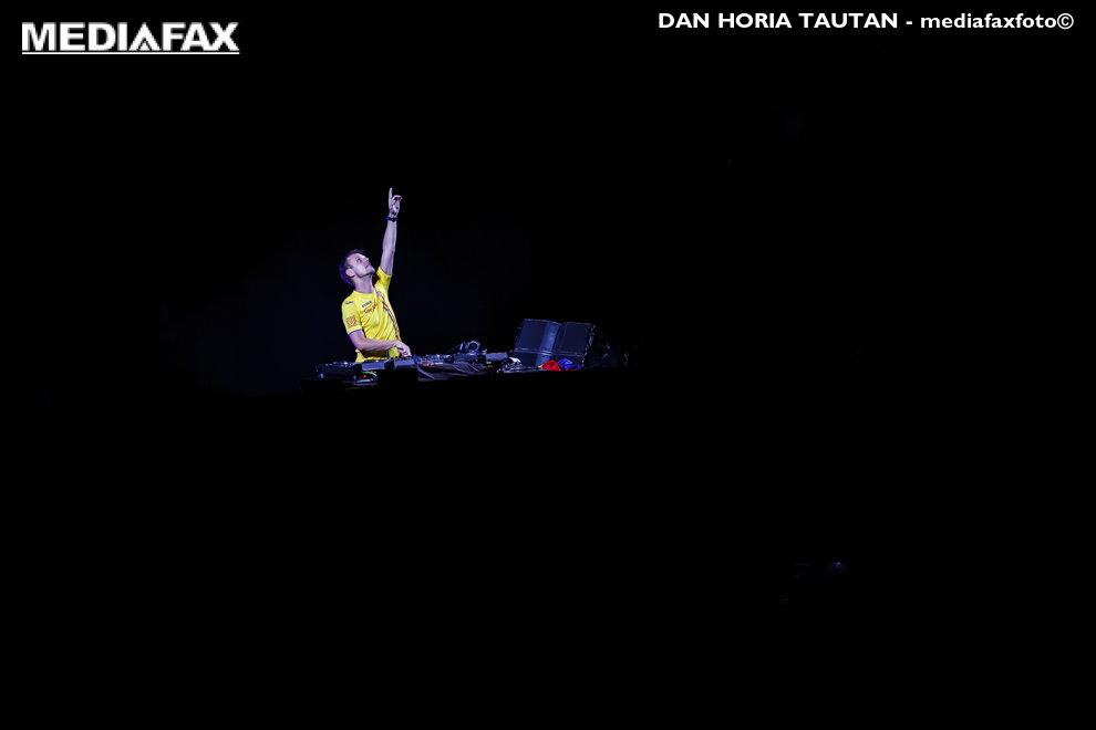 DJ-ul Armin van Buuren mixeaza in ultima zi a festivalului Untold, organizat pe Cluj Arena din Cluj-Napoca, duminica, 5 august 2018. DAN HORIA TAUTAN / MEDIAFAX FOTO