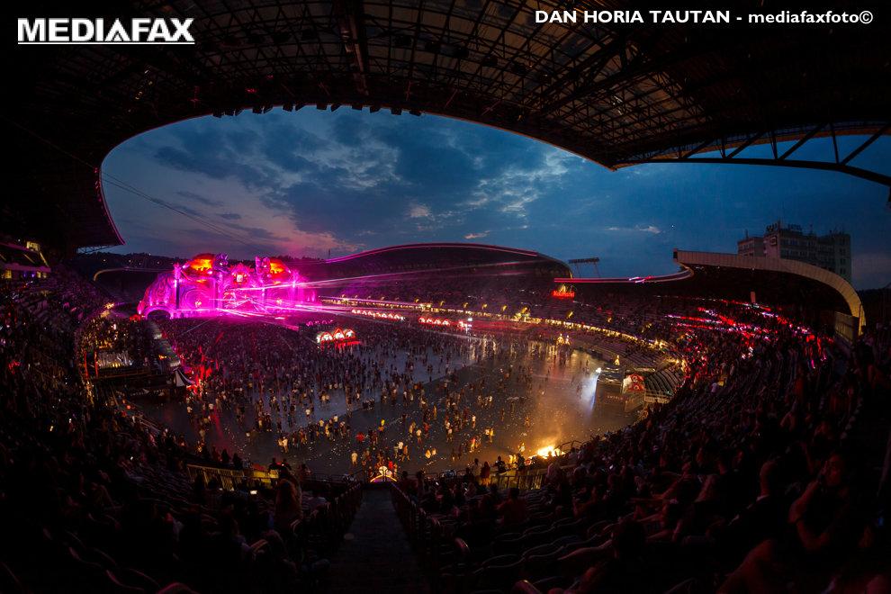 DJ-ul Armin van Buuren mixeaza in ultima zi a festivalului Untold, organizat pe Cluj Arena, din Cluj-Napoca, duminica, 5 august 2018. DAN HORIA TAUTAN / MEDIAFAX FOTO