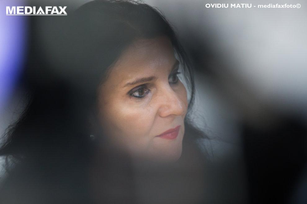Sorina Pintea, ministrul Sanatatii, sustine o conferinta de presa, la sediul PSD Sibiu, vineri, 2 noiembrie 2018. OVIDIU MATIU / MEDIAFAX FOTO