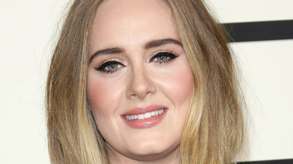 """Adele a lansat videoclipul piesei """"Send My Love (To Your New Lover)"""""""