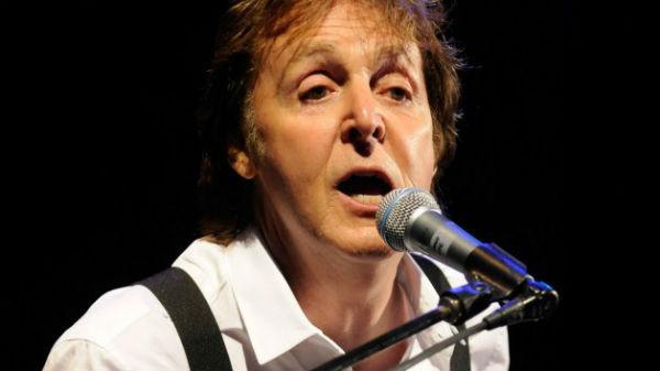 """Paul McCartney, în depresie din cauza trupei Beatles:"""" Am început să beau"""""""