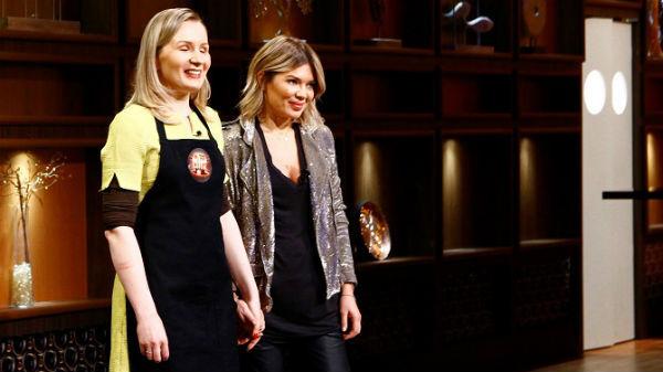 """Doi nevăzători pasionaţi de gătit, în sezonul de poveste ,,Chefi la cuţite"""""""