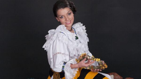 De Paste, Maria Luiza Mih mananca porc in loc de miel!
