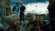 """""""Extratereştri din mansardă"""" / Aliens in the Attic  (SUA-Canada, 2009) - trailer"""